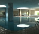 Крытый бассейн Sea World Resort & Spa 5*
